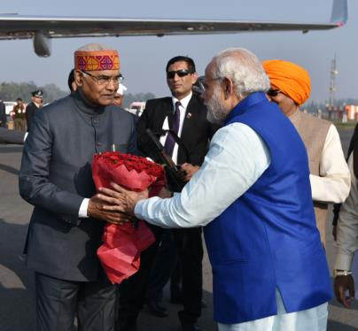 The Prime Minister, Shri Narendra Modi being seen off by the Governor of Bihar, Shri Ram Nath Kovind and the Chief Minister of Bihar, Shri Nitish Kumar, on his departure from Patna on January 05, 2017.