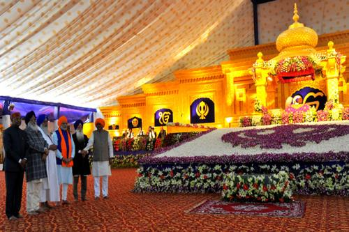 The Prime Minister, Shri Narendra Modi at the 350th Prakash Parv celebrations of Guru Gobind Singh Ji, in Patna, Bihar on January 05, 2017.