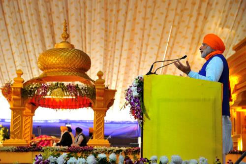 The Prime Minister, Shri Narendra Modi addressing at the 350th Prakash Parv celebrations of Guru Gobind Singh Ji, in Patna, Bihar on January 05, 2017.