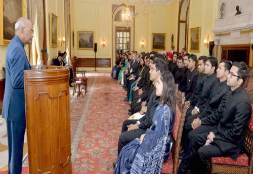 The President, Shri Ram Nath Kovind addressing the Officer Trainees of the Indian Foreign Service (2017 Batch) from Foreign Service Institute, at Rashtrapati Bhavan, in New Delhi on June 06, 2018