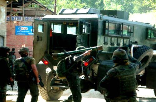 Forces in active during  launch massive search operation in over a dozen Pulwama villages on Monday 03 sep 2018
