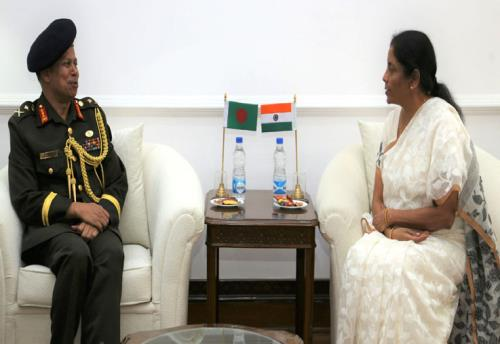 The Principal Staff Officer, Armed Forces Division, Bangladesh, Lt. Gen. Md. Mahfuzur Rahman calling on the Union Minister for Defence, Smt. Nirmala Sitharaman, in New Delhi on May 07, 2018.