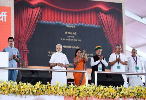 The Prime Minister, Shri Narendra Modi laying the foundation stone for various urban infrastructure projects in Rajasthan during a Public Meeting, in Jaipur on July 07, 2018.