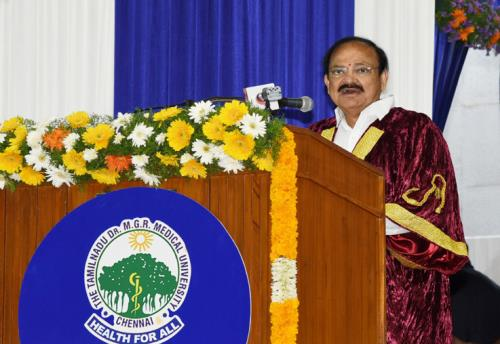 The Vice President, Shri M. Venkaiah Naidu addressing the 30th Convocation of Tamil Nadu Dr. M.G.R. Medical University, in Chennai on July 08, 2018.