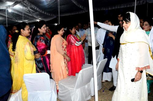 chief minister hosts iftihar at evening in  jammu on Sunday 10 June,2018
