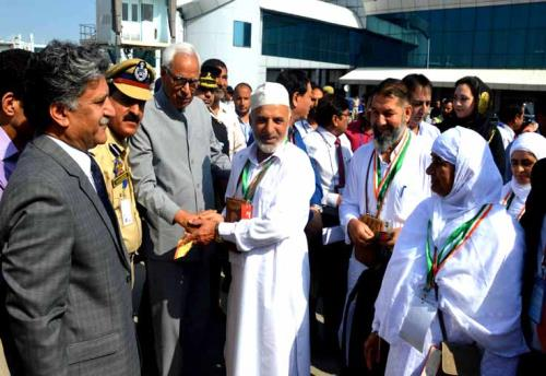 J&K Governor Sh. N.N.Vohra  interacted with a number of Hajis and wished them a safe journey and a highly satisfying Haj on Saturday 14th of July 2018