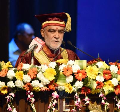 The Minister of State for Health & Family Welfare, Shri Ashwini Kumar Choubey addressing the Convocation of Lady Hardinge Medical College, in New Delhi on May 18, 2018.