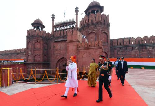 The Prime Minister, Shri Narendra Modi walking towards the dais to address the Nation at the Red Fort, on the occasion of 72nd Independence Day, in Delhi on August 15, 2018