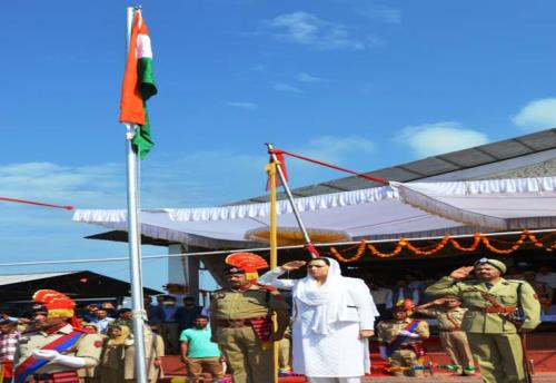 Deputy Commissioner, Dr Syed Sehrish Asgar unfurled the national flag, inspected the parade and took salute at the march past.on 72nd Independence Day celebrations at Budgam in Kashmir