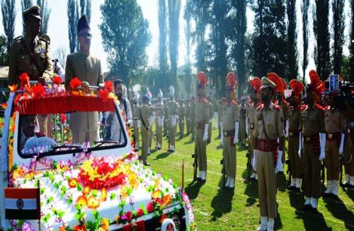 Deputy Commissioner Mohammad Younis Malik unfurled the tricolour and took the salute at the parade at the main function of the 72nd Independence Day celebrations in the district held at Government Degree College  Khanabal.
