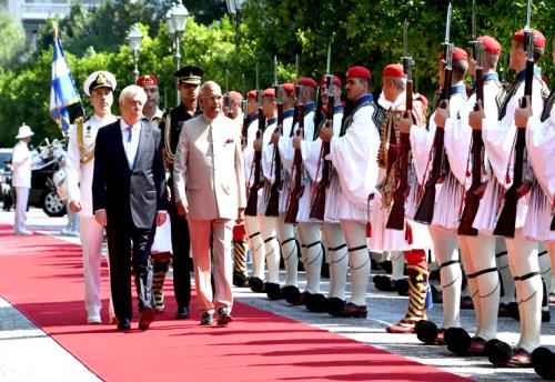The President, Shri Ram Nath Kovind inspecting the Guard of Honour during the Ceremonial Reception, at Presidential Mansion, in Athens, Greece on June 18, 2018