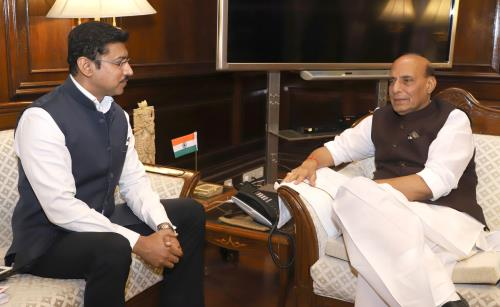 The Minister of State for Youth Affairs & Sports and Information & Broadcasting (I/C), Col. Rajyavardhan Singh Rathore calling on the Union Home Minister, Shri Rajnath Singh, in New Delhi on May 22, 2018.